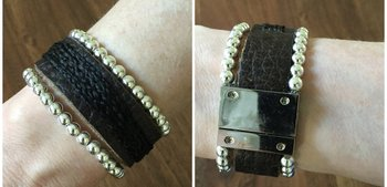 Armband met leer en kralen. Prijs 59,00